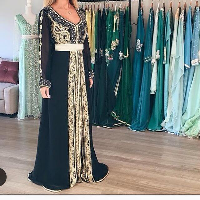 notre boutique caftan fatimazahra magazine d di e aux tenues traditionnelles du maroc vous. Black Bedroom Furniture Sets. Home Design Ideas