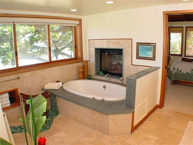 Bathtub With Double Sided Fireplace By Hawaii Software, Via Flickr