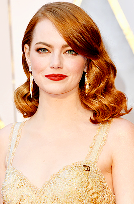 Emma Stone attends the 89th Annual Academy Awards at Hollywood & Highland Center on February 26, 2017 in Hollywood, California.
