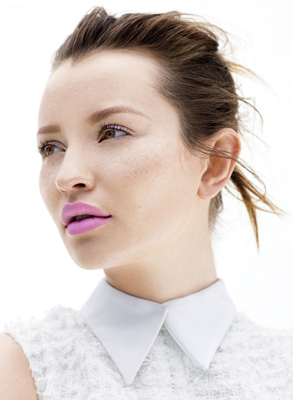 Celebrities with nose piercing  emilybrowning beautiful dolly  Emily Browning  Pinterest  Emily