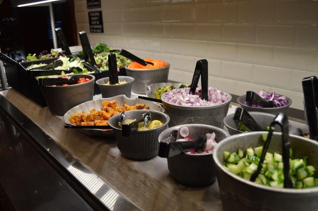 Let S Talk About Fresh Baby Ruby Tuesday Debuts New Fresh Garden Bar Salad Bar Delicious Salads Garden Bar