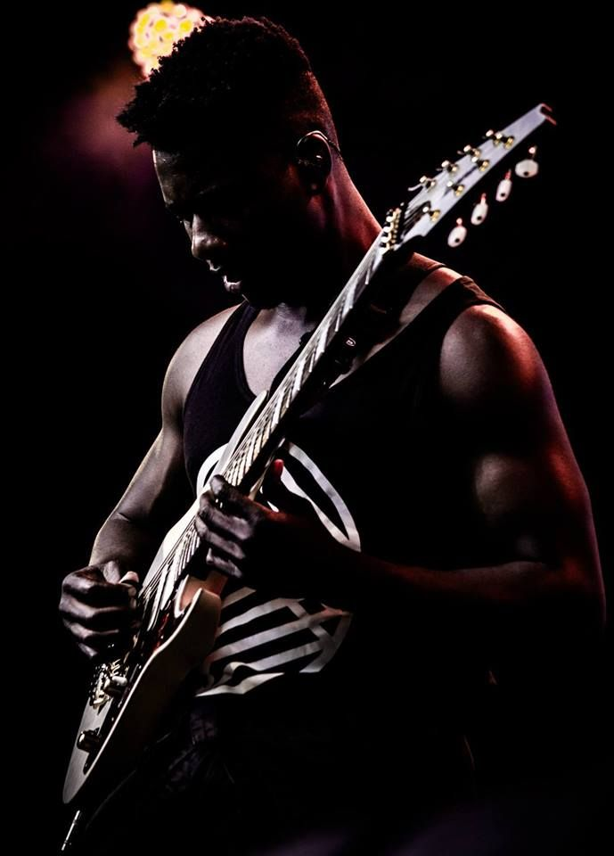Tosin Abasi Animals As Leaders Guitare