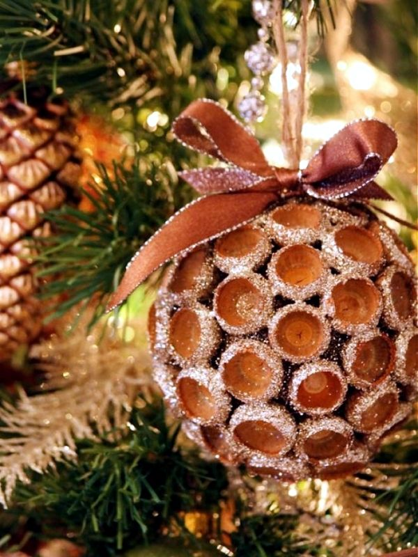 Christmas Tree Decorations Made From Natural Materials 20 Ideas To Make Your Own Natural Christmas Decor Diy Christmas Ornaments Christmas Decorations
