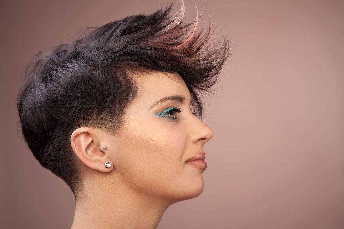 capelli corti e rasati | Capelli corti, Acconciatura corta ...