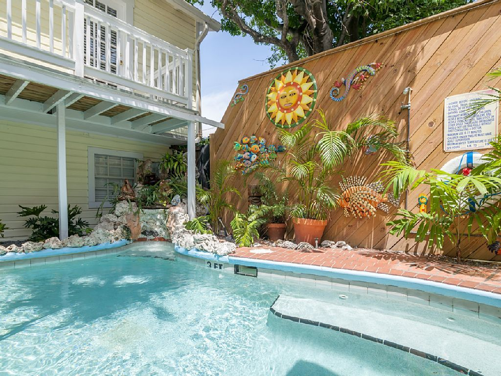 Hotel Vacation Rental In Key West From Vrbo Com Vacation Rental Travel Vrbo Key West Vacations Vacation Rental House Rental Key west parasailing fly two or three at a time. pinterest