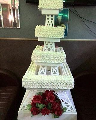 Eifel Tower Wedding Cake