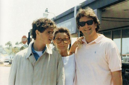 Audrey Hepburn photographed between her sons Luca and Sean by Marina Spadafora during a visit to the family of Robert Wolders in Florida (USA), in May 1987.