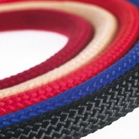 Cordón trenzado Cordón de 1,5 mts. disponible en 2 trenzados distintos. Trenza gruesa disponible en color Negro y Blanco y trenza delgada en colores burdeos, azul, negro, crema y rojo.