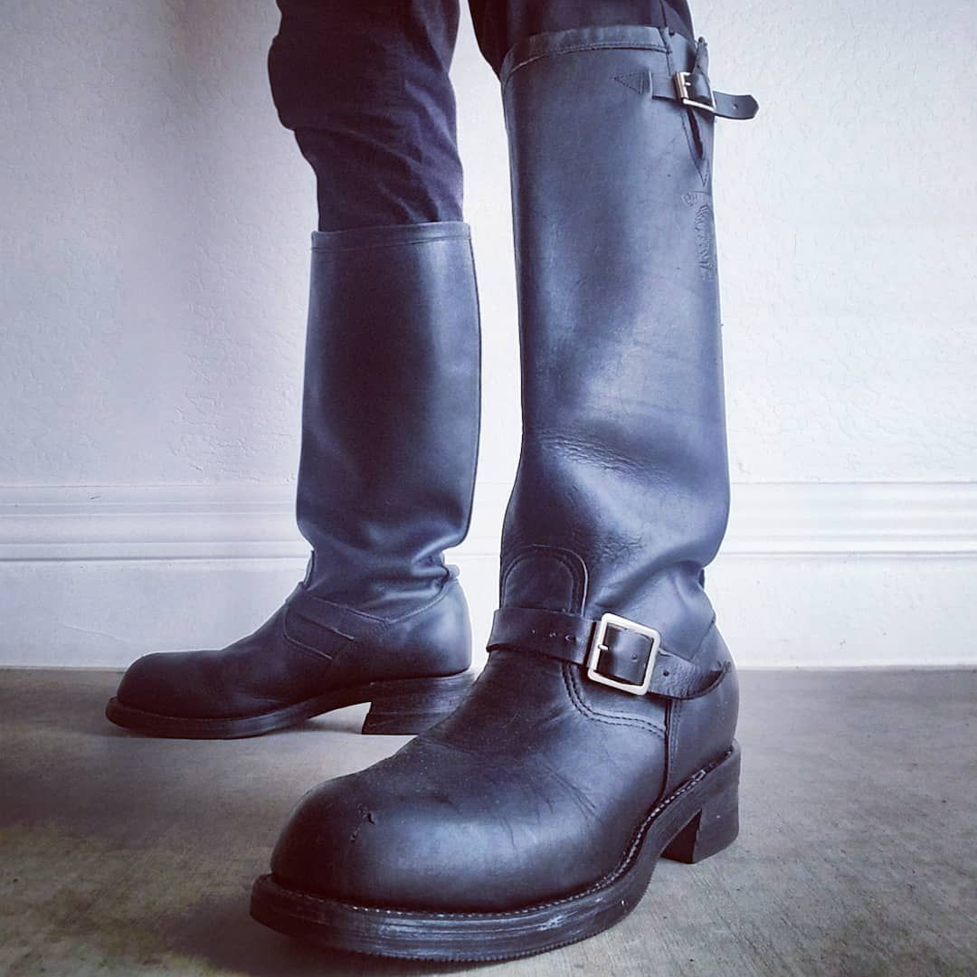 Eddie On Instagram Rainy Day This Lovely Wednesday So I Strapped On My Tallest Boots For The Job I Dont Like Wet Feet And Mosey D On メンズファッション メンズ ファッション