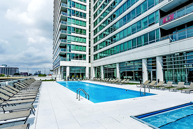 Rooftop Pool At K2 Chicago Luxury Apartment Building