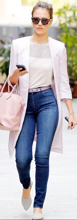 Who made  Jessica Alba's blue skinny jeans, pink handbag, and gray flat shoes?