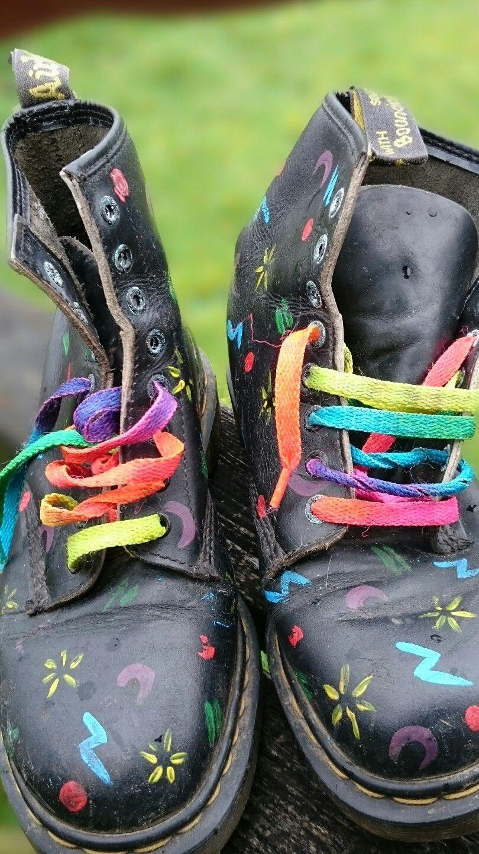 dr martens rainbow laces
