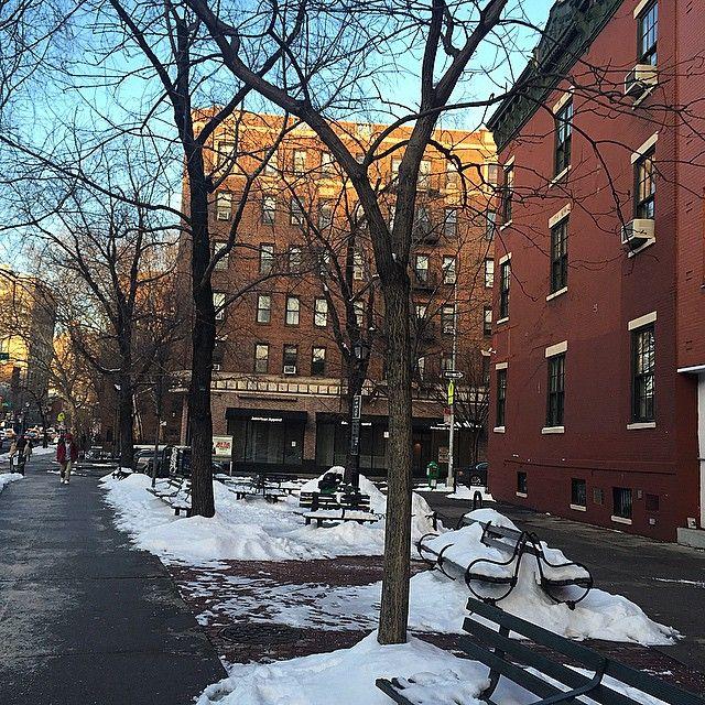 A cada parada, uma vista diferente! Tudo branco, cinza... Mas tão lindo!!! Amando estar aqui #nyc ❄️⛄️ #blogmarianasaad #blogmsviaja #fhitsny @fhits