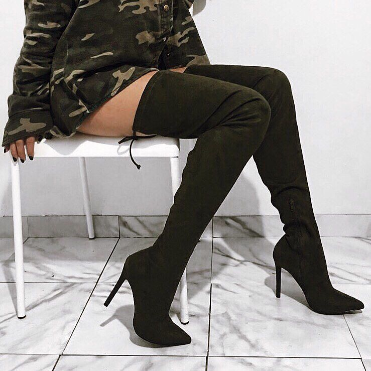 e43c34487f3 It s officially boot season 🙌🙌🙌🙌🙌🙌  svndyx3  WindsorGirl Are you  getting a new pair  Link to boots in bio.