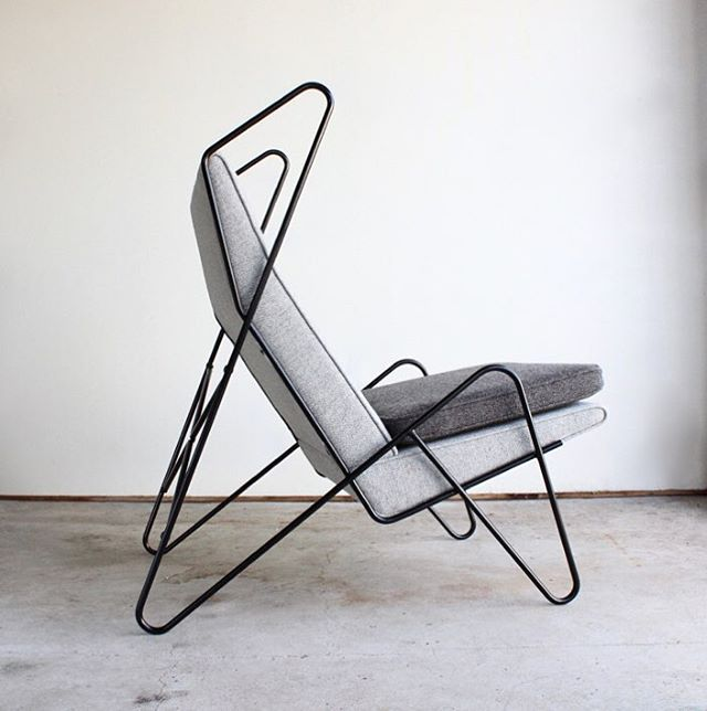 Series Z lounge chair in 2 shades ofgrey  Nanna Ditzel's iconic Hallingdal fabric.