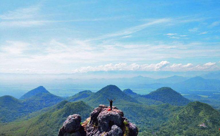 Tempat Wisata Solo Bukit Cumbri Wonogiri Wisata Solo Tempat Pemandangan