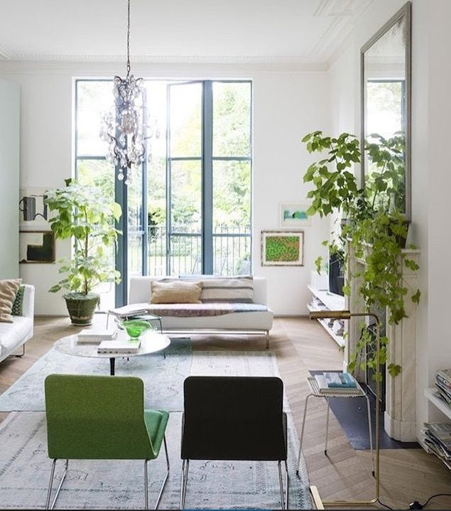 A Luminous Victorian Home Filled With Plants In London All The That Brings Freshness Into Space Intermingled Colorful Artwork And
