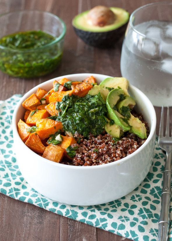 Great post on the benefits of eating whole grains + a delicious #glutenfree round-up w/ lots of #glutenfree ideas including this Quinoa and Sweet Potato Bowl with Chimichurri via @NutritiousEats