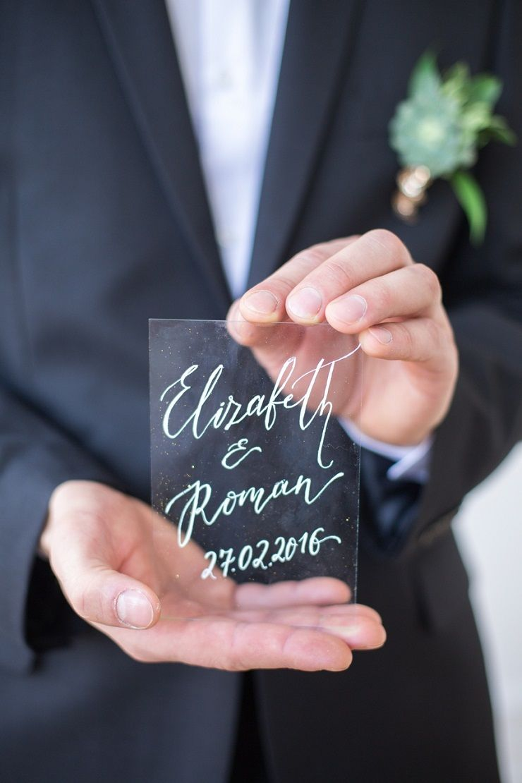 calligraphy on glass - wedding date | fabmood.com #wedding #weddingstyledshoot #weddingphotos #weddinginspiration #weddingphotography #fineartwedding #fairytalewedding