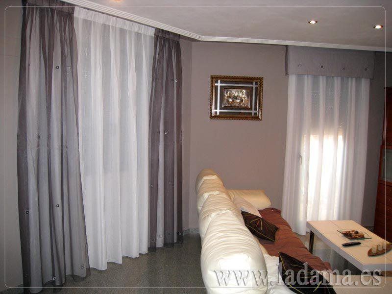 Decoraci n para salones cl sicos cortinas con dobles for Visillos estores para salon