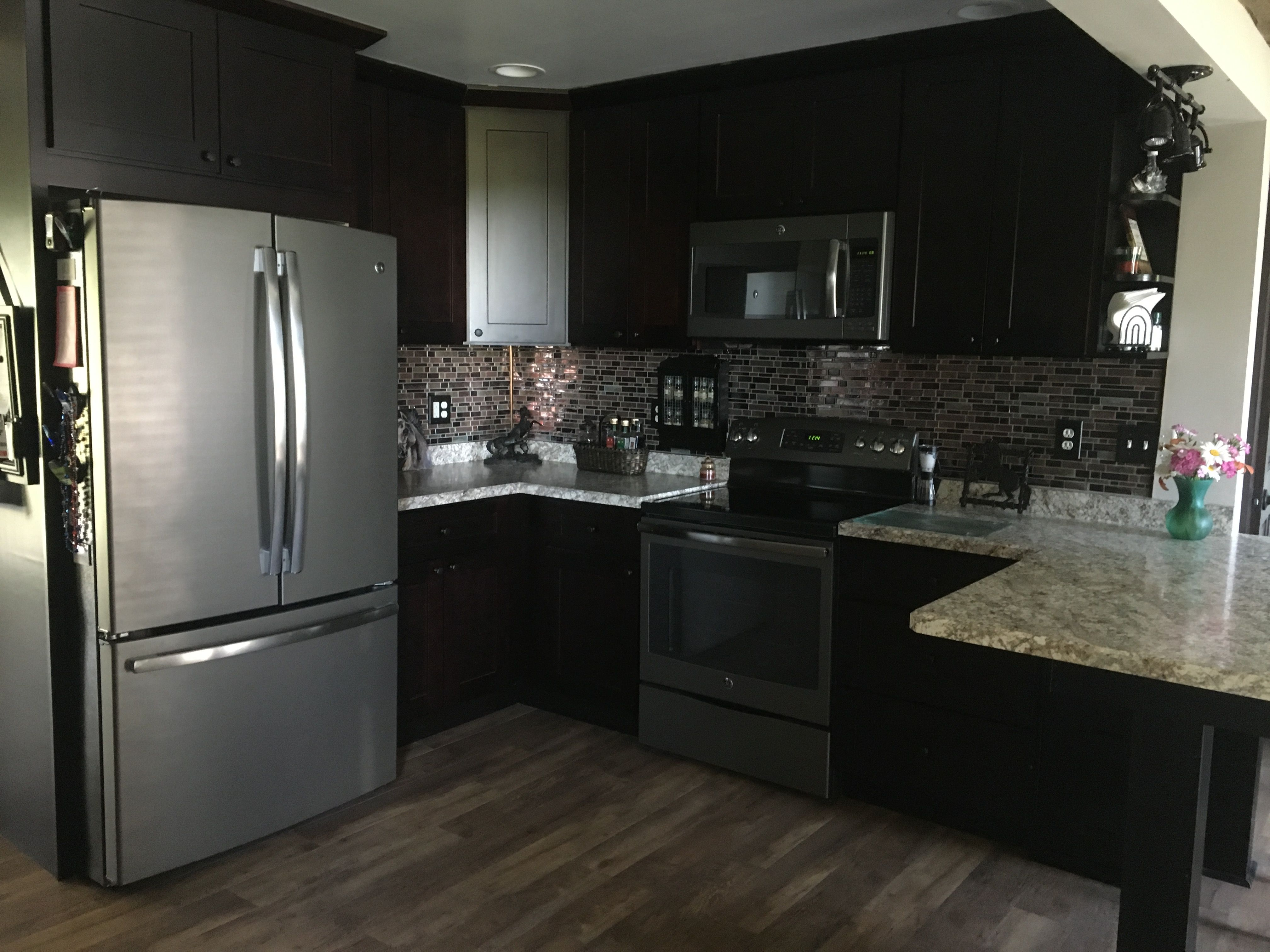 Hello Guys Shaker Espresso Kitchen Refacing By Lily Ann Cabinets Customer R Kitchen Cabinet Styles Shaker Style Kitchen Cabinets Espresso Kitchen Cabinets
