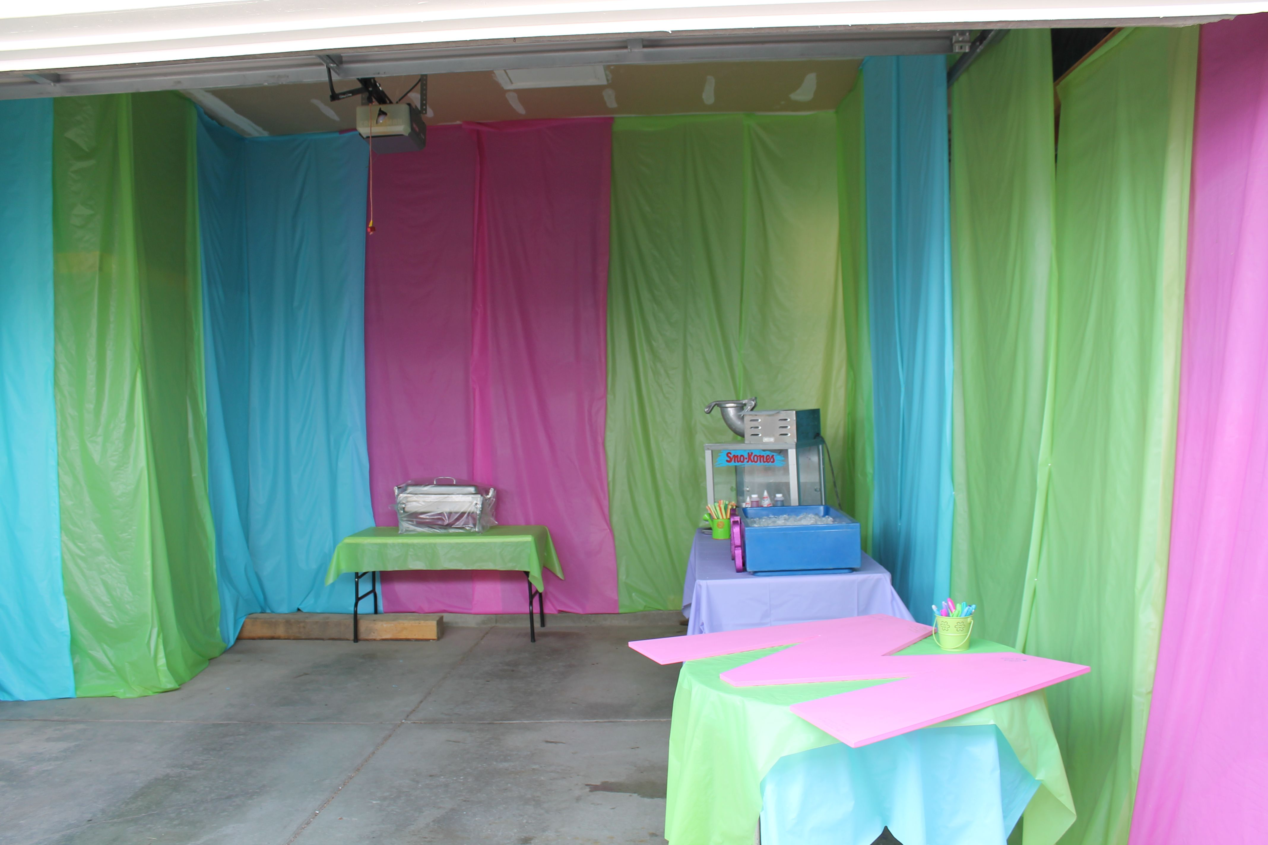 How To Hang Plastic Tablecloths As Curtains Www