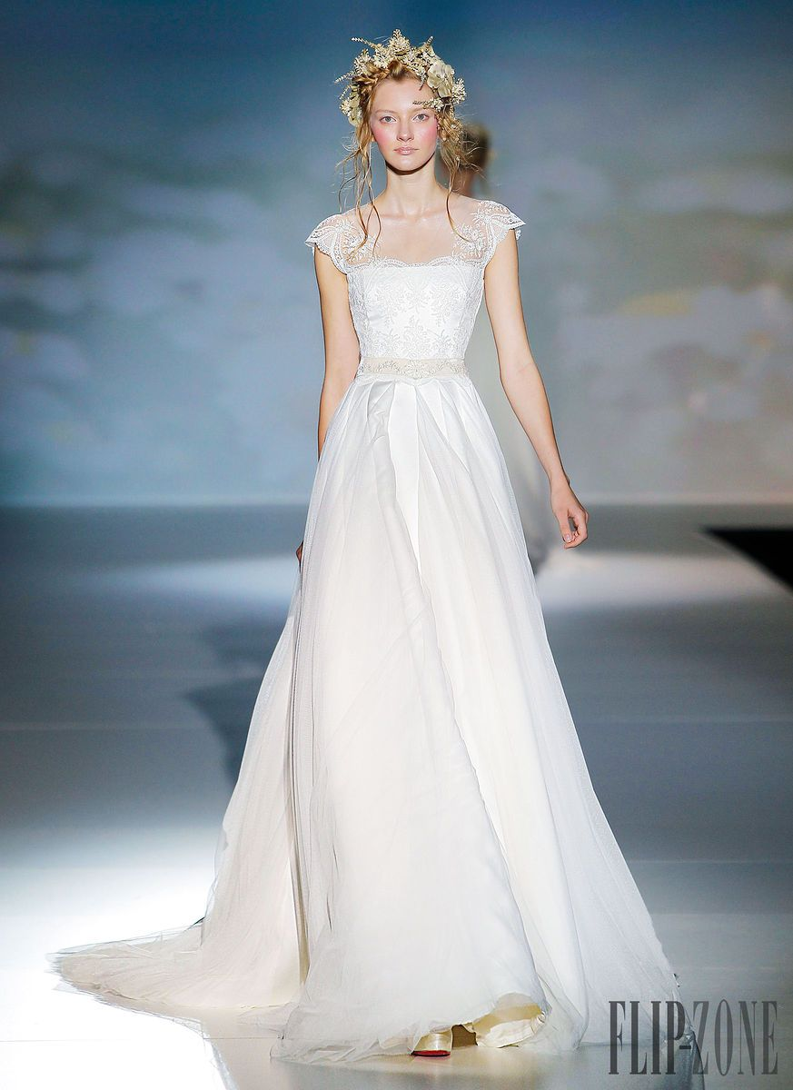 Victorio & Lucchino - Bridal - 2014 collection - http://www.flip ...