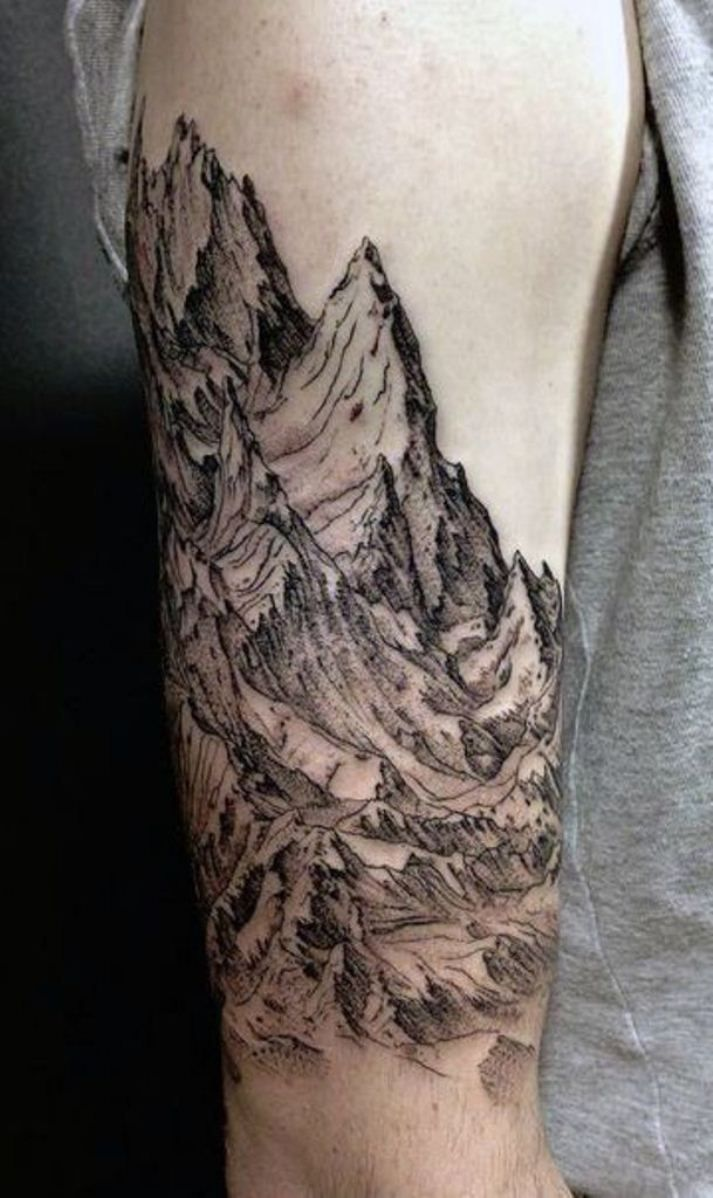 50 mountain tattoos nature tattoos pinterest tatouage tatouage montagne et tatouage homme. Black Bedroom Furniture Sets. Home Design Ideas