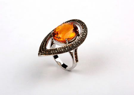 MAX Ring in 950 silver, handmade, piece unique and exclusive. Central gem Citrine Rio Grande and black diamonds encrusted around. White rhodium plating. - Price: U$$2.587 - Luxury Jewelry For Sale - From Brazil - Direct the owner jewellery - Email: andersonweb@outlook.com