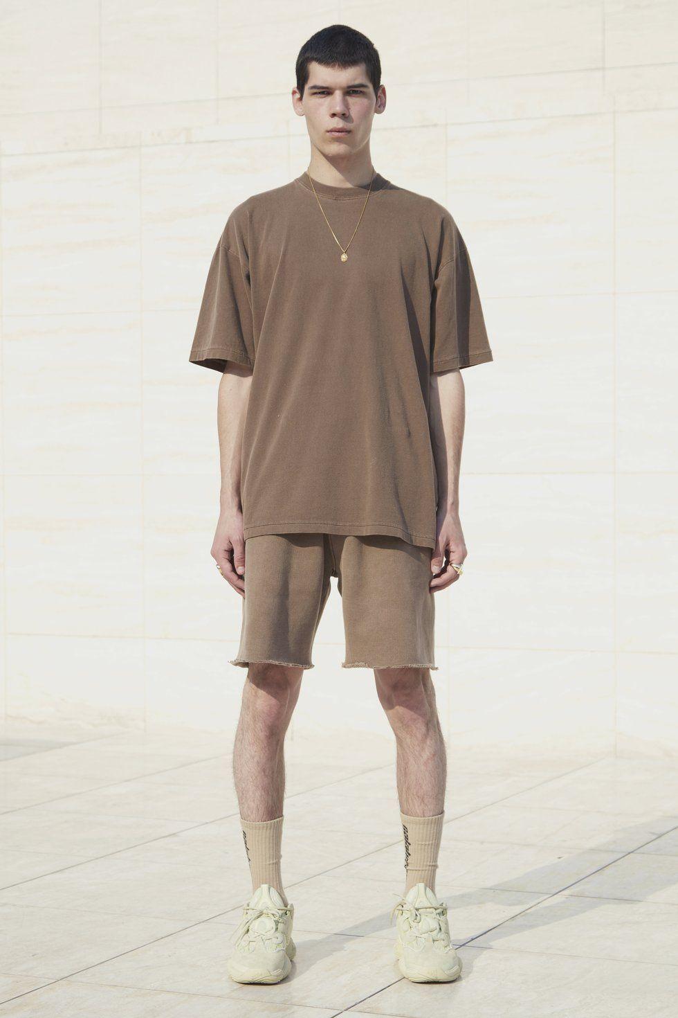 SWEATSHORTS HILLS   Yeezy outfit, Yeezy t shirt, Yeezy fashion