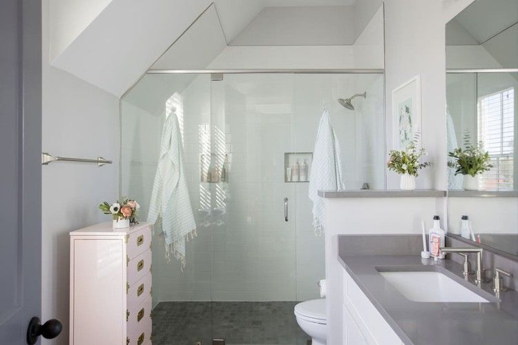 8 Shower Organization Tools That Ll Make Your Bathroom Just A Little More Zen Apartment Therapy In 2020 Shower Organization Bathtub Shower Home