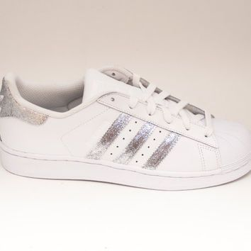 Sturdy And Comfortable Sneakers: Adidas Superstar 2 Originals Supercolor Shoes Silver-White