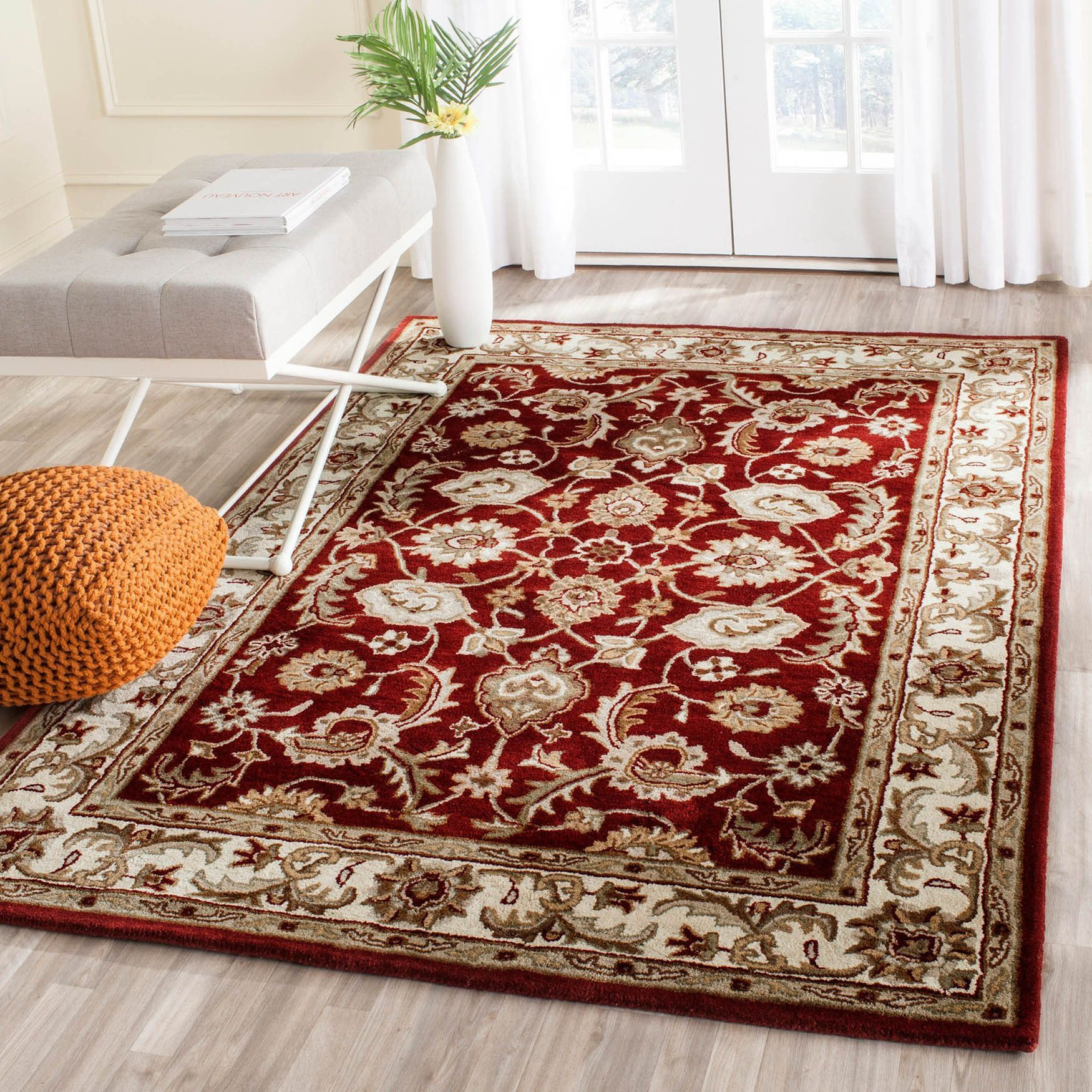 Safavieh Handmade Royalty Red/ Ivory Wool Rug ((2 ft. 3 in. x 7 ft. )), Size 2'3 x 7' (Cotton, Border)