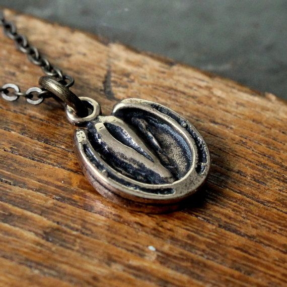Horse hoof necklace. Ohhh goodness, there is just something about this that I love.
