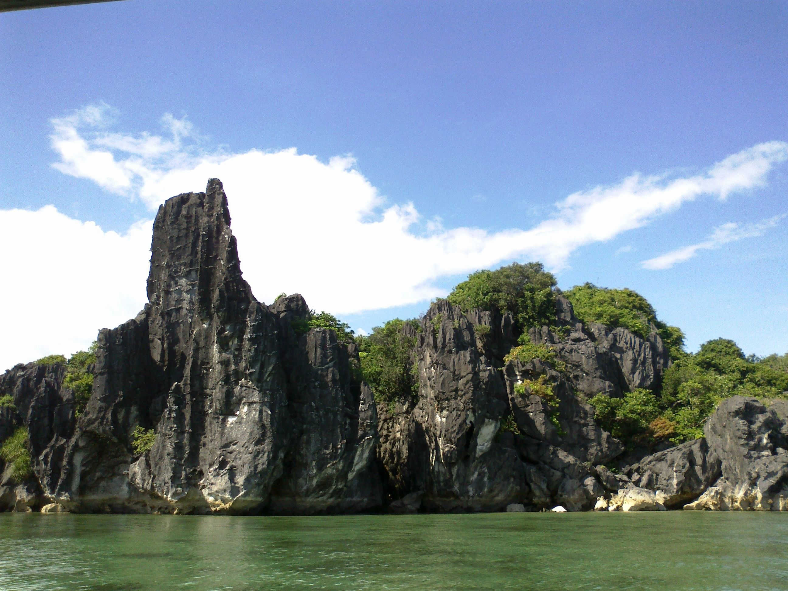 how to go to caramoan camarines sur