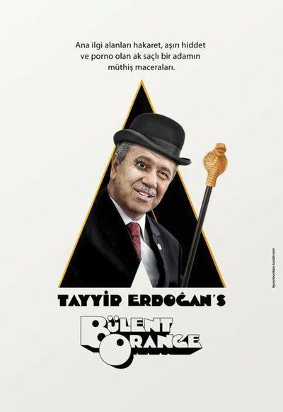 FLASHES DA TURQUIA E A CRIATIVIDADE DOS PROTESTOS - Bülent Arinçtml (vestido de Alex, do filme Laranja Mecânica, é o vice-premiê turco)