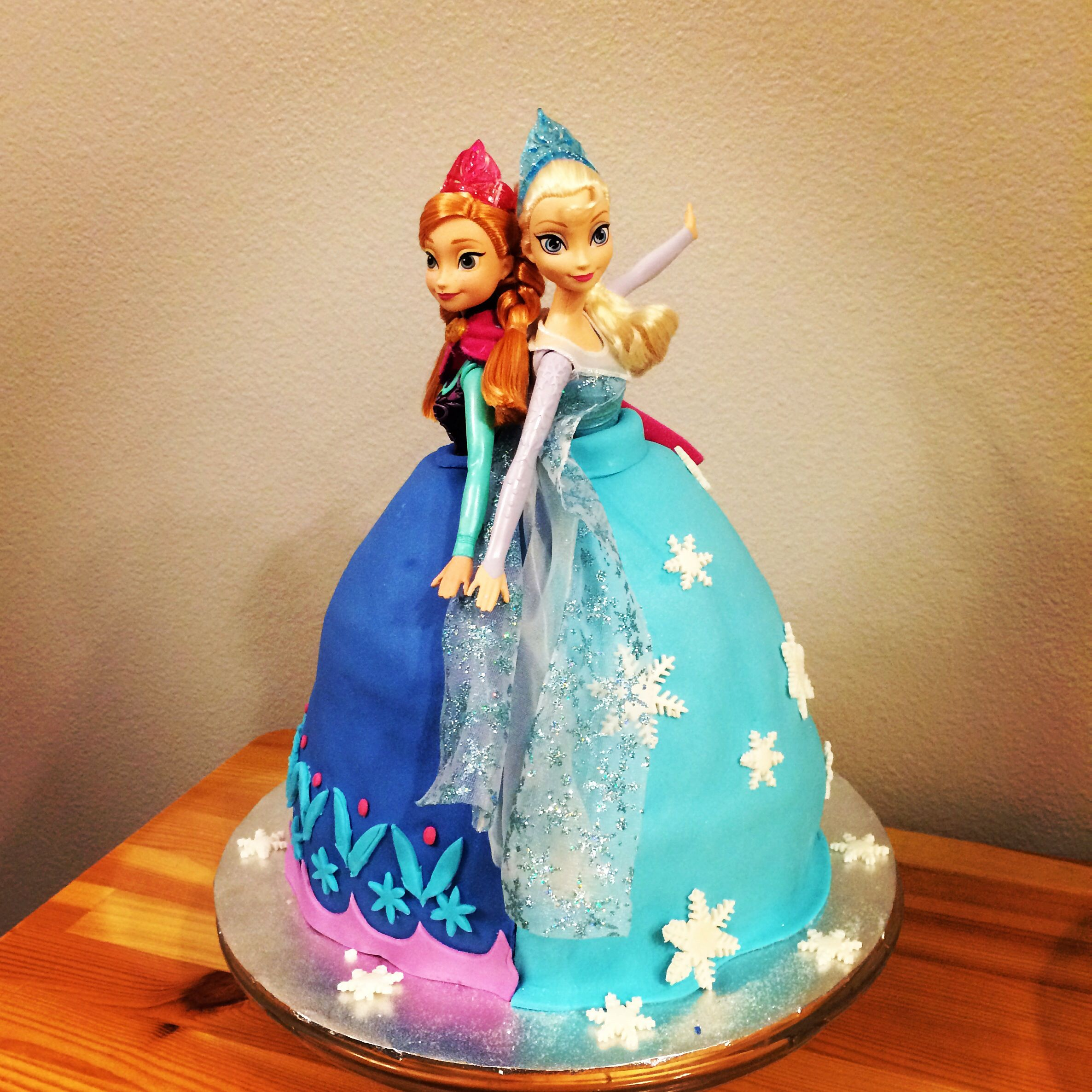 Frozen Anna and Elsa cake with the Wilton doll pan