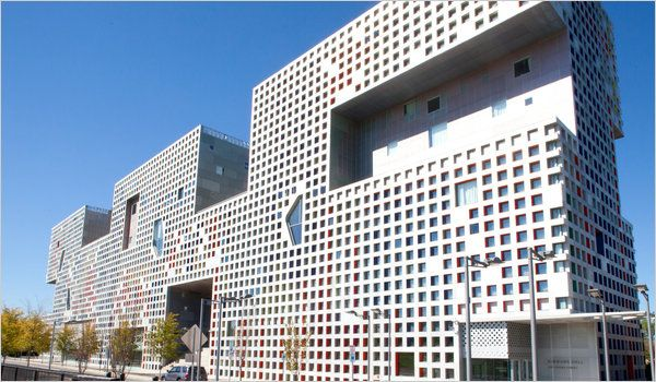 M I T S Makeover For The 21st Century Architecture Steven Holl Architect