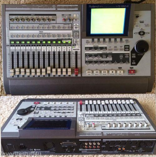 roland vs 1824cd 24 bit multi track recorder digital studio workstation 18 track serial no. Black Bedroom Furniture Sets. Home Design Ideas