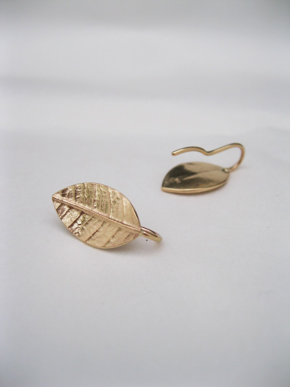 Leafy Drop Earrings in 9ct Yellow Gold