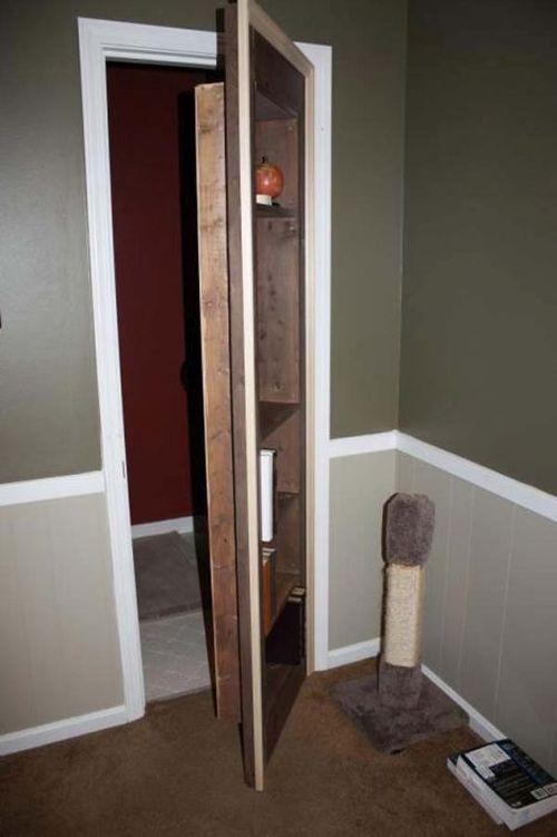 voici quelqu 39 un qui a toujours voulu une porte secr te dans sa maison quand il a finalement. Black Bedroom Furniture Sets. Home Design Ideas