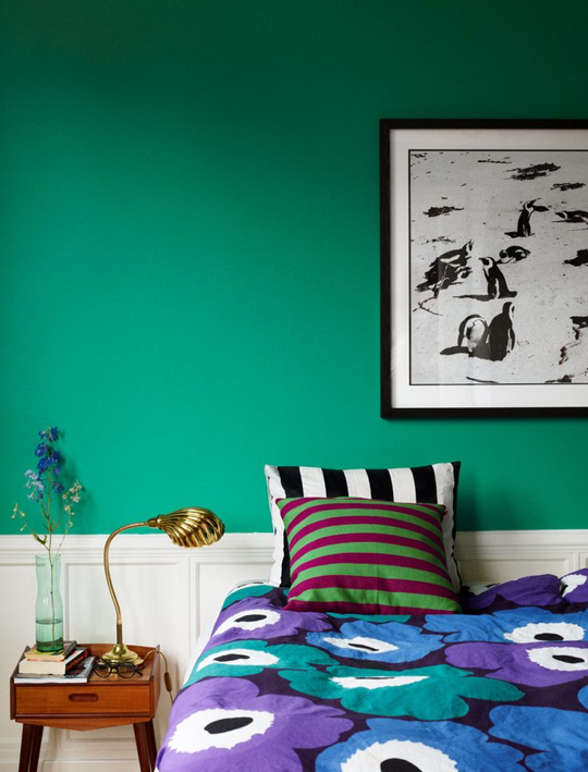 Green Colors For Bedrooms do this don't: wake up with bold prints in the bedroom | apartment