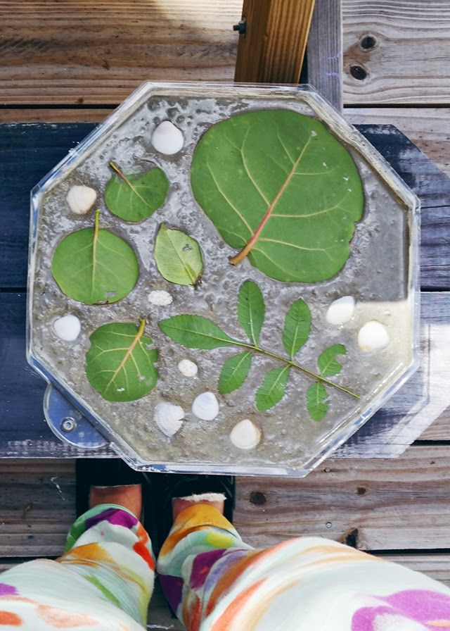 Perfect Ohdeardrea: How To Make Your Own Garden Stepping Stones {DIY}