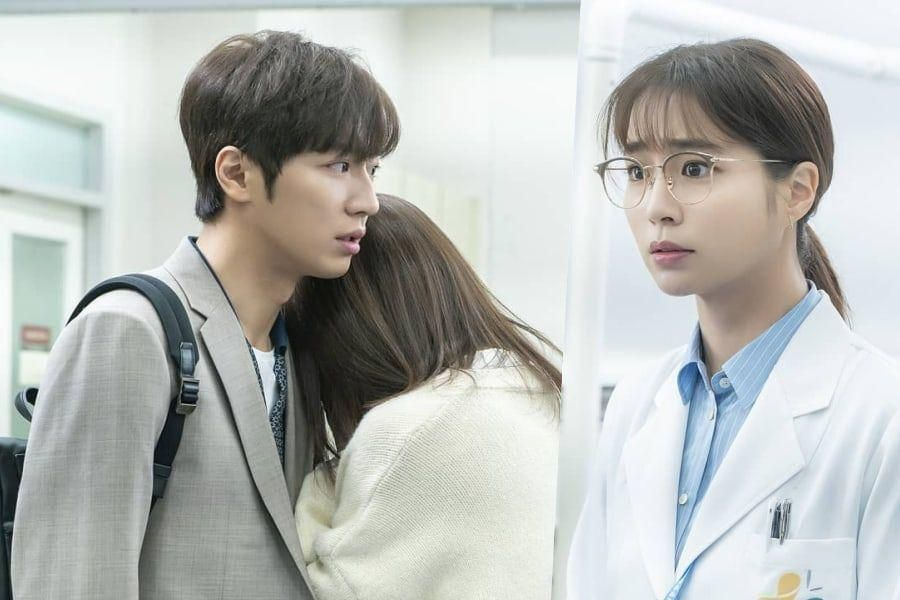 "Lee Sang Yeob Races To The Emergency Room As Lee Min Jung Looks On With Mixed Feelings In ""Once Again"""