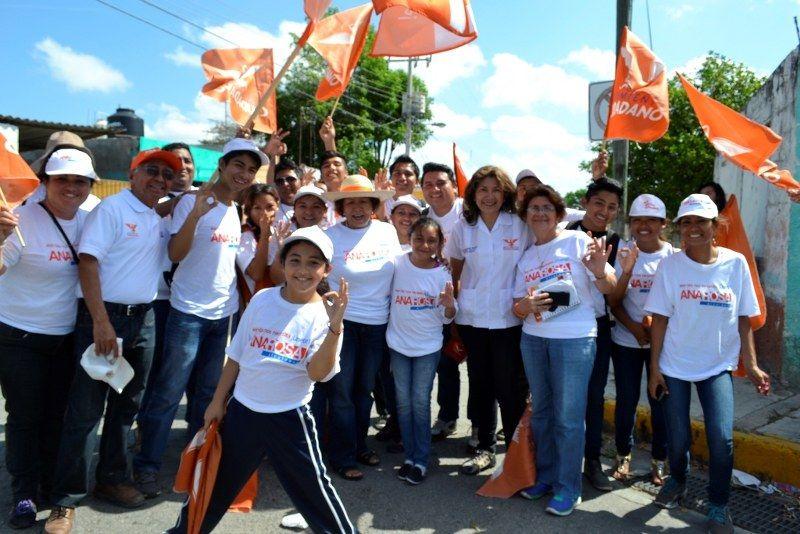 Vecinos del sur reciben a Ana Rosa Payán