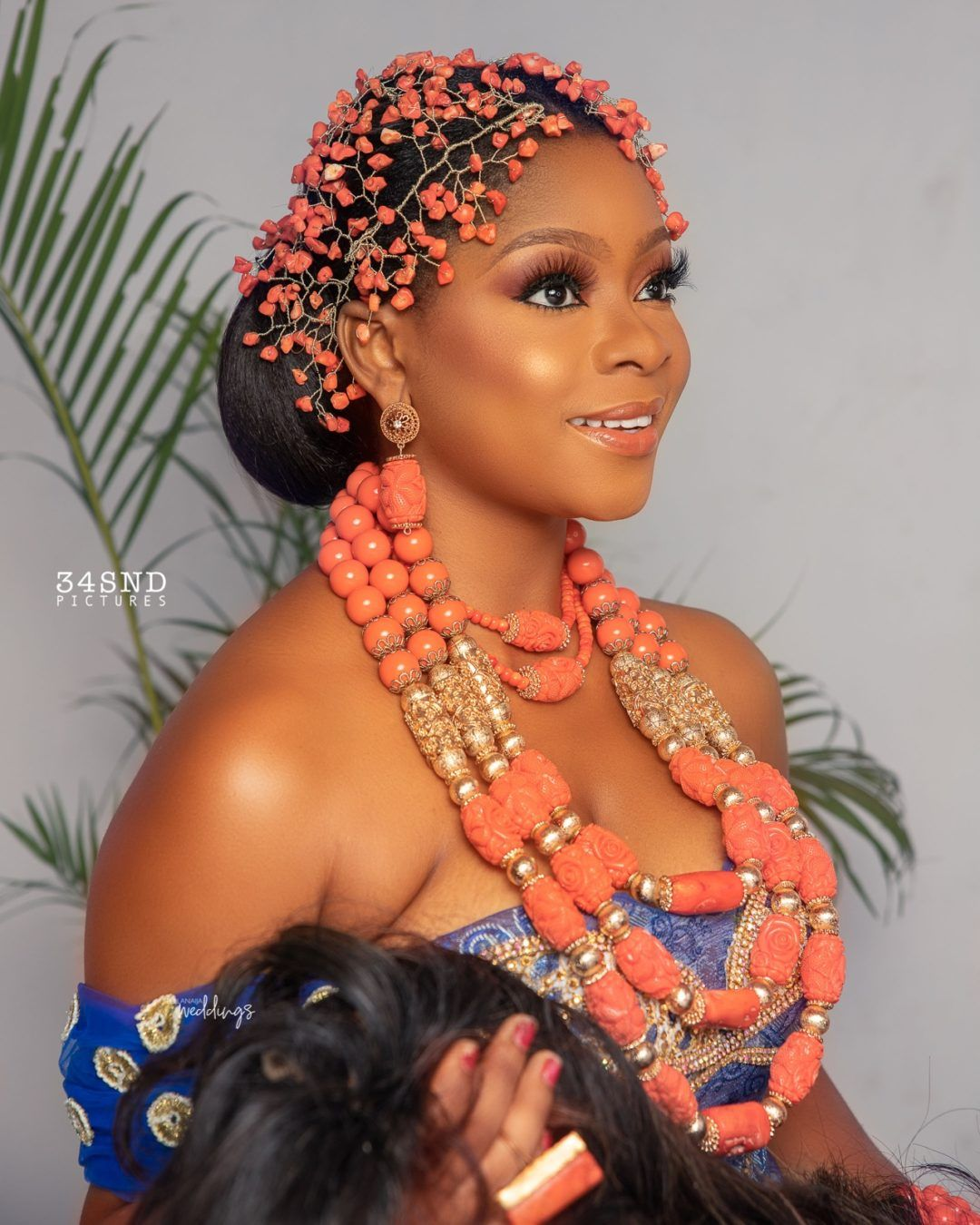 This Trad Bridal Beauty Look Is A Coral Love Affair Bellanaija Weddings Bella Naija Weddings African Bride African Traditional Wedding