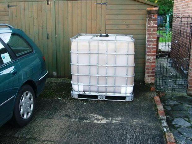 Cladding A 1000 Ltr 250 Gallon Ibc Water Tank Cladding Water Tank Gallon