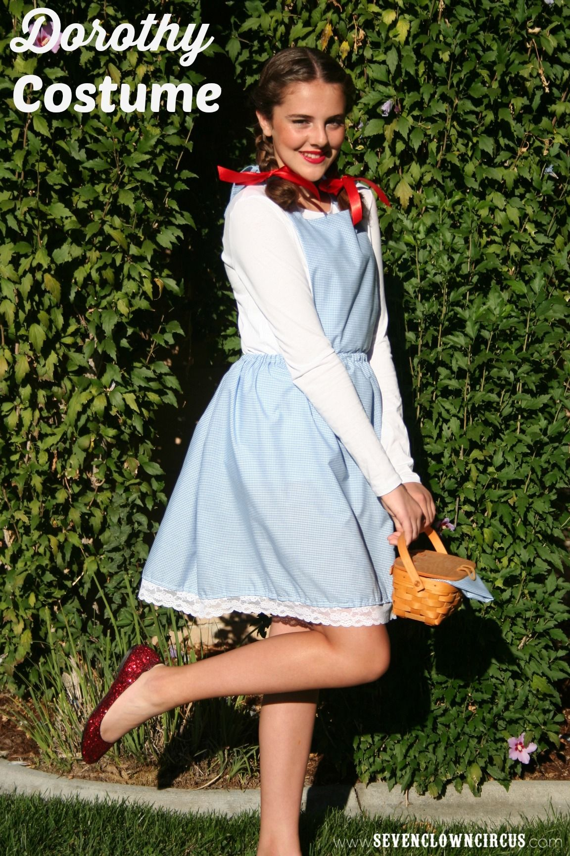 Easy homemade dorothy costume halloween pinterest for Easy homemade costume ideas for kids