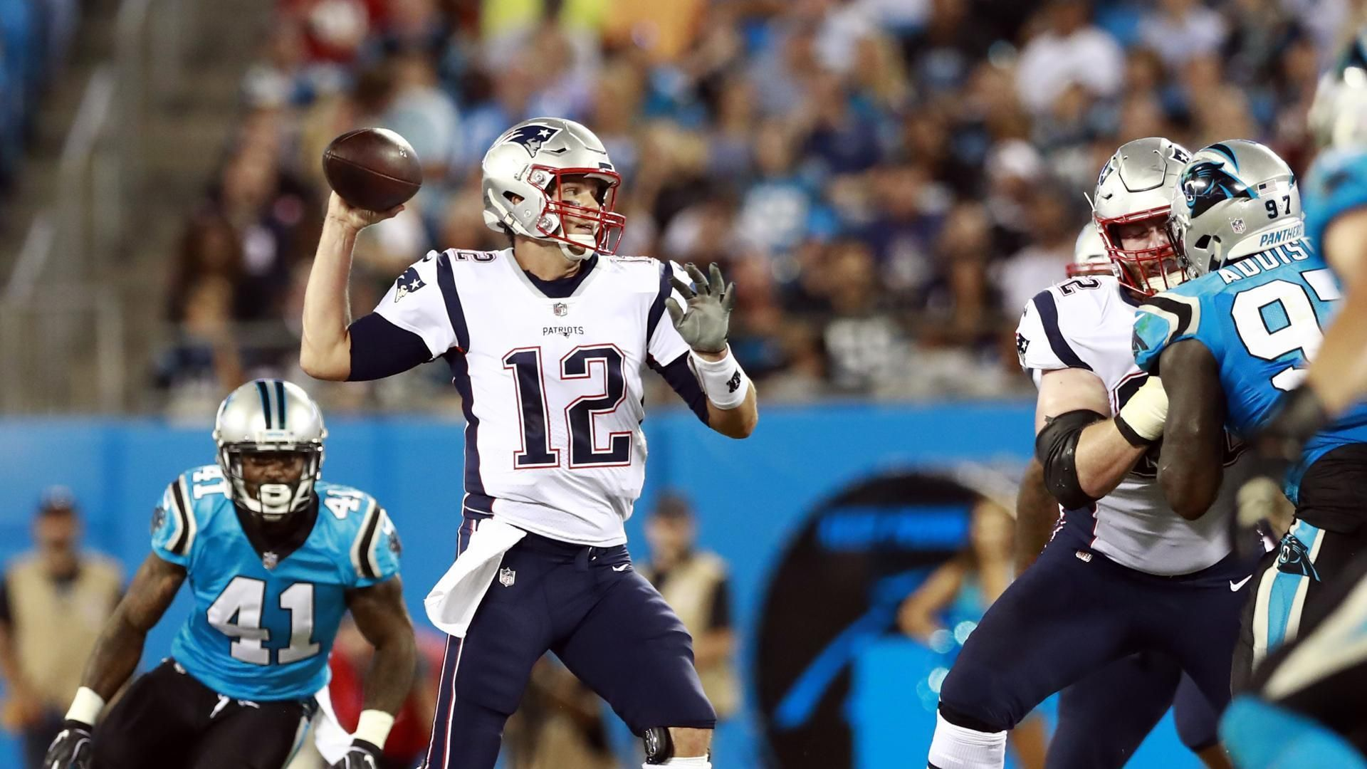 Tom Brady Spreads The Ball Around But Patriots Can T Keep Up With Panthers New England Patriots Patriots Nfl Football Games
