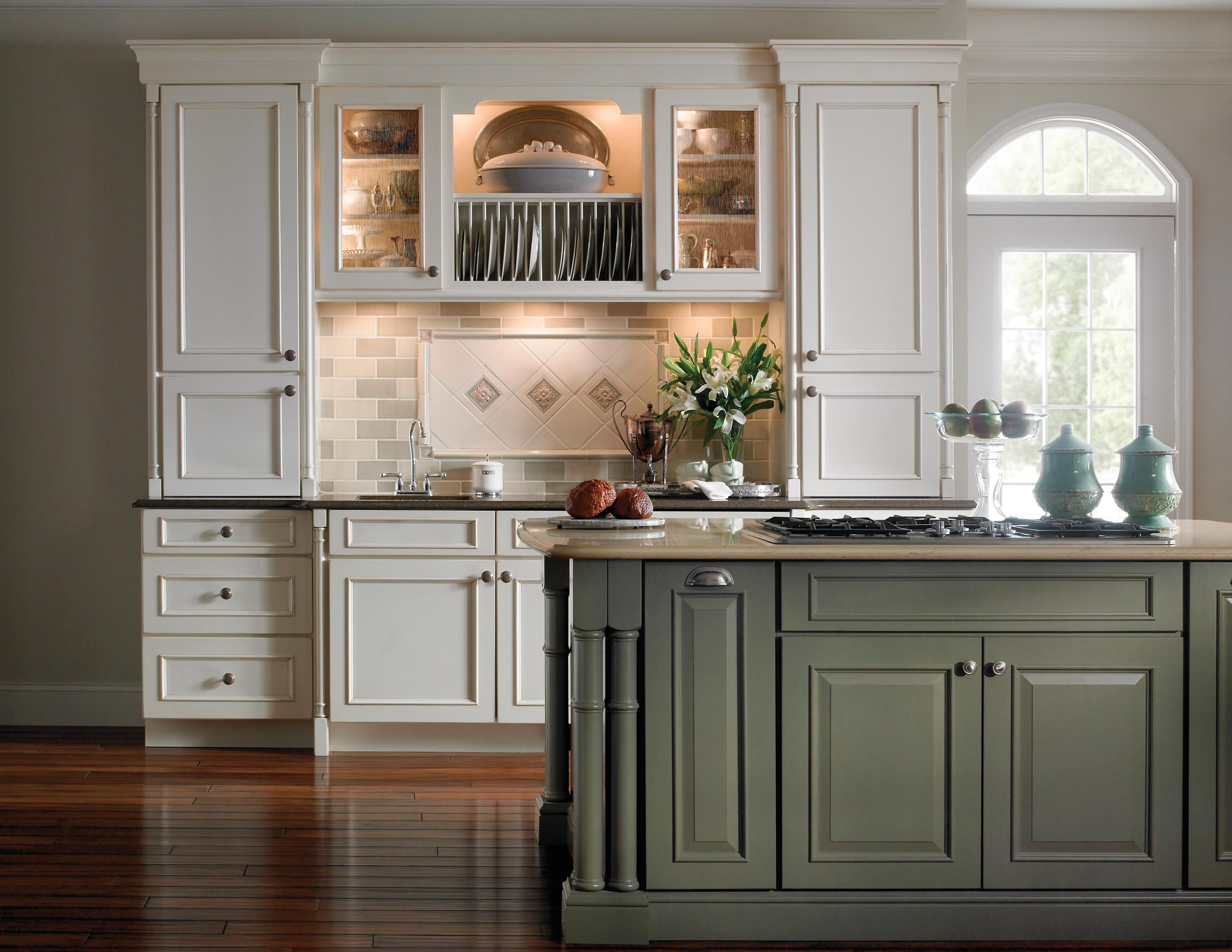 Yorktowne Cabinets Dixon Schuler Cabinets Kitchen Cabinets Traditional Kitchen Design